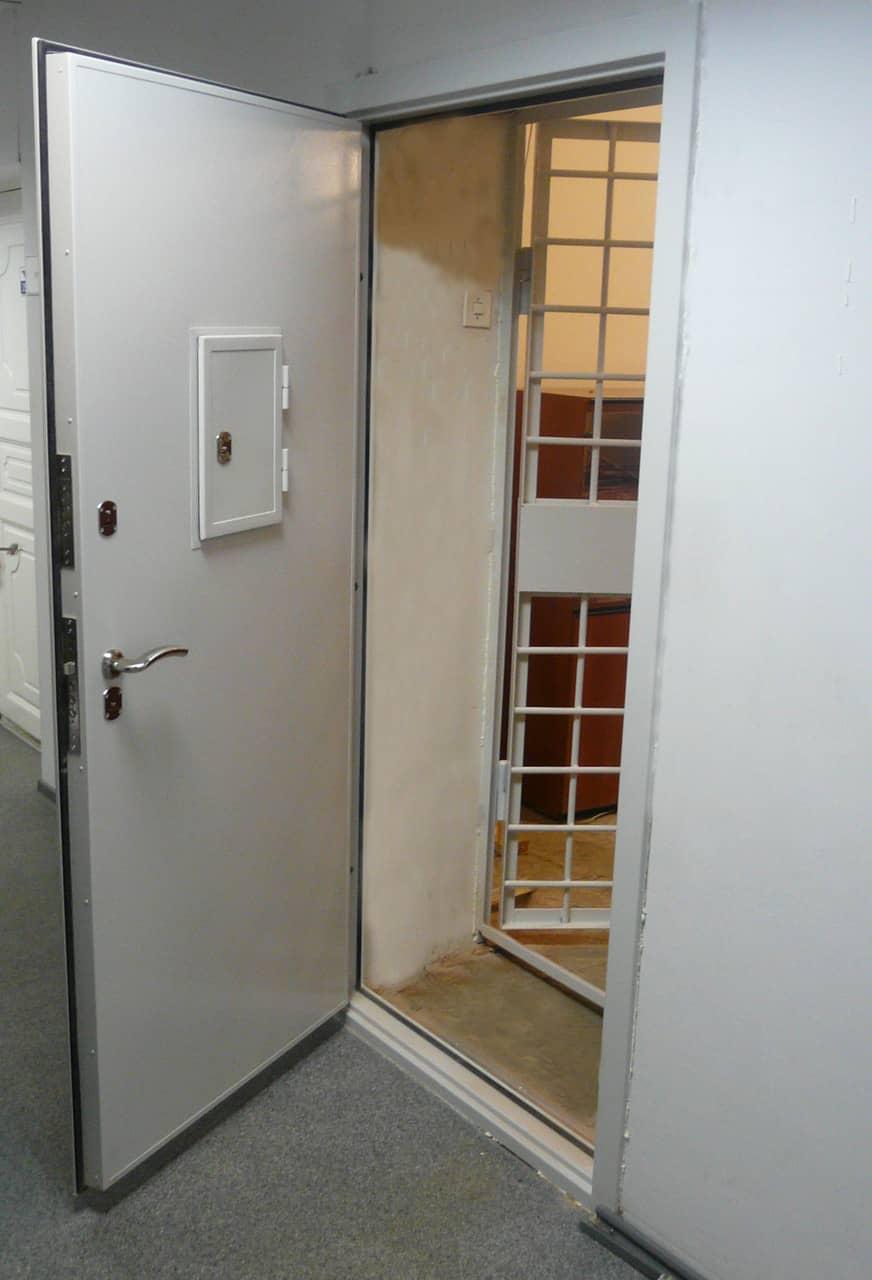 стальные двери в кассу купить